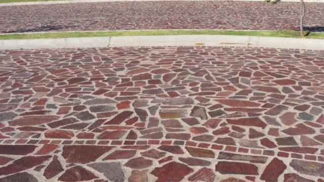 Instalación de Piedra en Calle