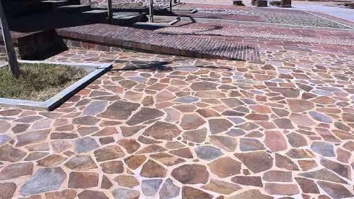 Instalacion de Piedra de Calle Exterior