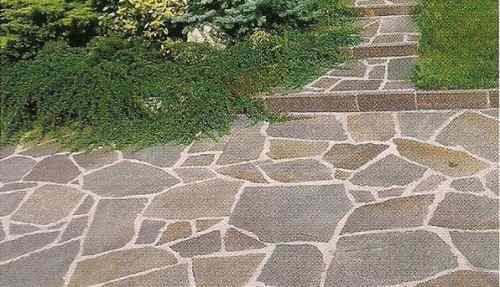 instalacion de piedra  piso exterior